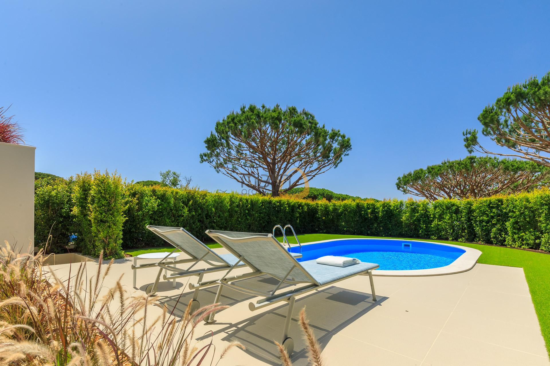villa-in-vale-do-lobo-algarve-golden-triangle-portugal-property-real-estate-mainproperties-mp140vdl-1