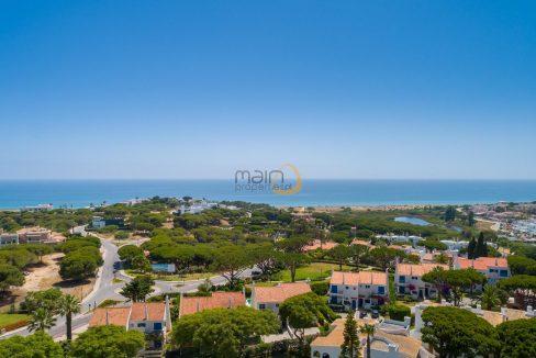 villa-in-vale-do-lobo-algarve-golden-triangle-portugal-property-real-estate-mainproperties-mp140vdl-3