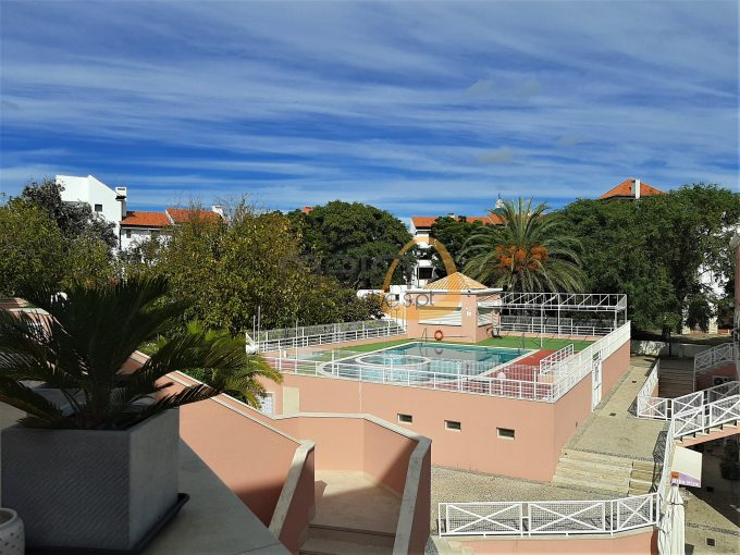 Apartamento com 1 quarto e piscina na Marina de Vilamoura :: MR061