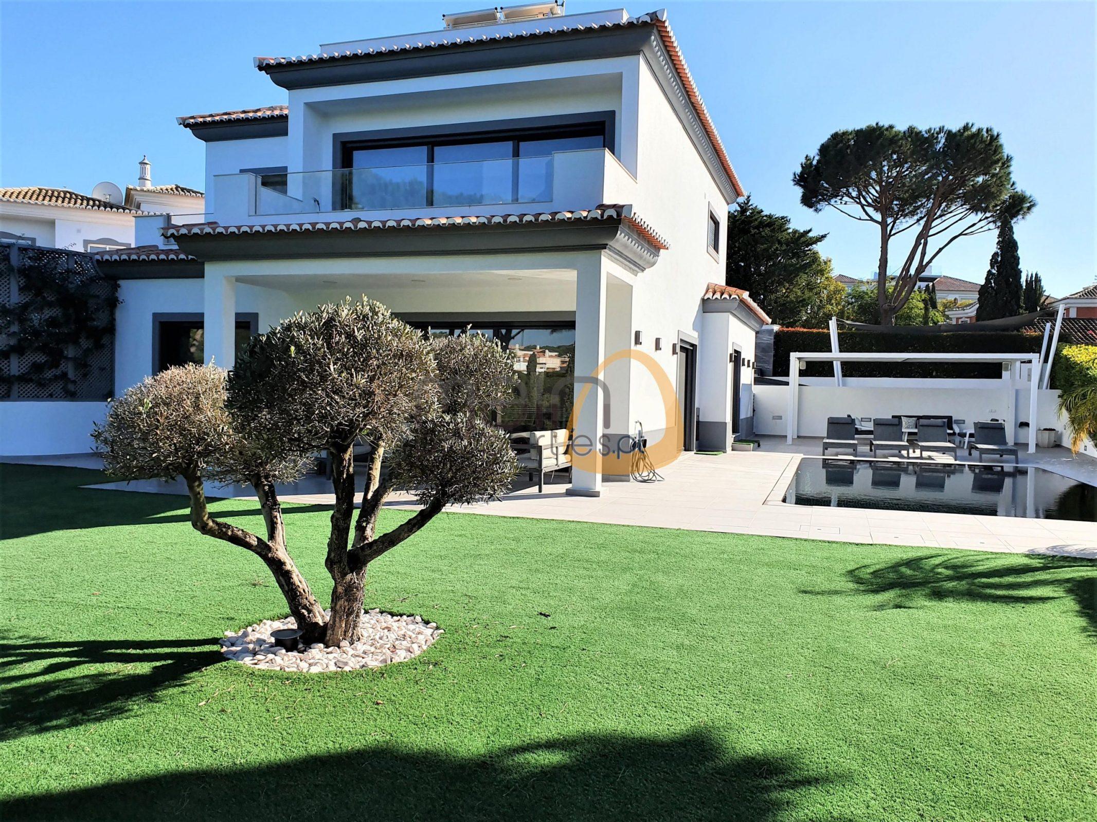 Moradia com 4 quartos frente golfe em Vale do Lobo :: MP145_GH