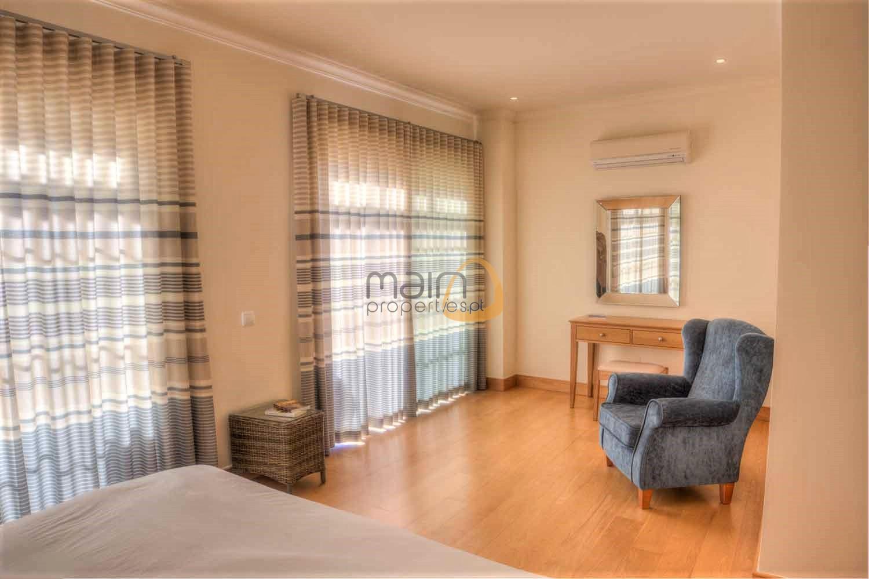 Casa Amelda main bedroom dressing table