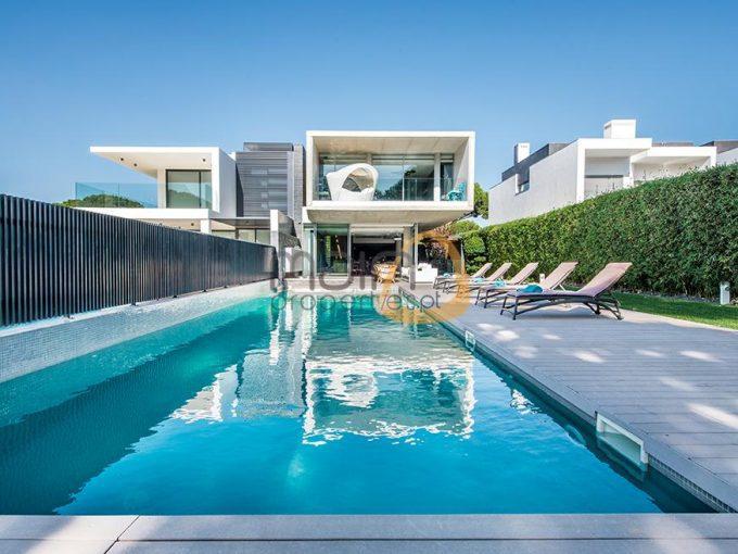 Moradia de luxo com 5 quartos e piscina privada em Vilamoura :: MR059