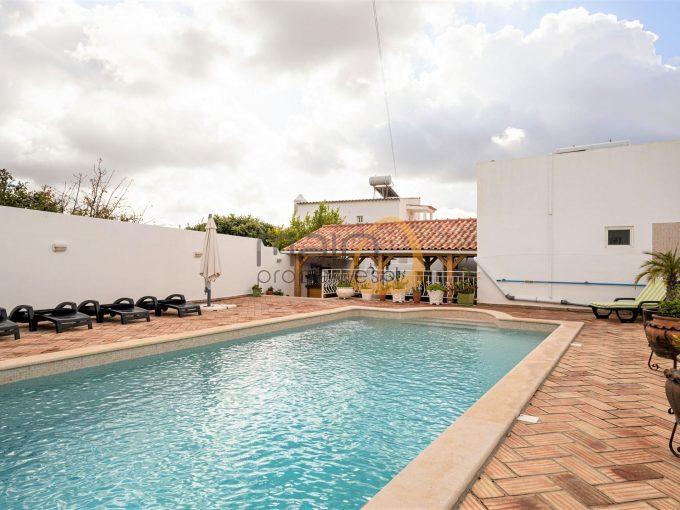 MainProperties :: Moradia com 3 quartos + apartamento em São Brás de Alportel :: MP160VP