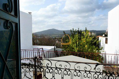 Prédio para recuperar no centro histórico de Estói, Faro :: MP155NV