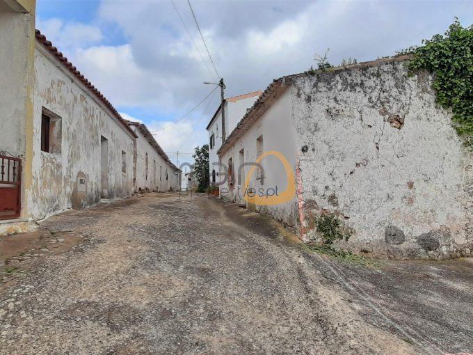 MainProperties :: Moradia rústica na típica Aldeia de Santa Margarida perto de Alte :: MR084