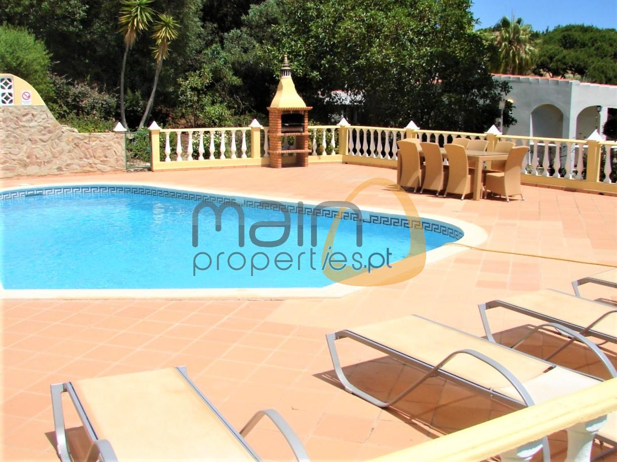 Villa with 4 bedrooms near the beach in Vale do Lobo