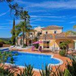 MainProperties :: Moradia com 6 quartos, piscina privada e vista mar em Loulé :: MP167JH