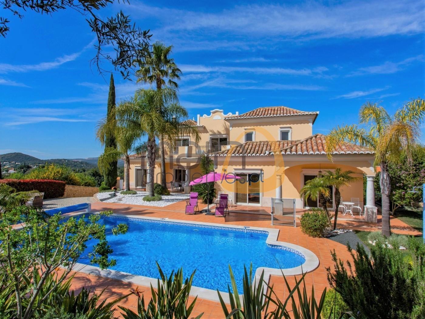 6 bedroom villa, private pool and sea view in Loulé
