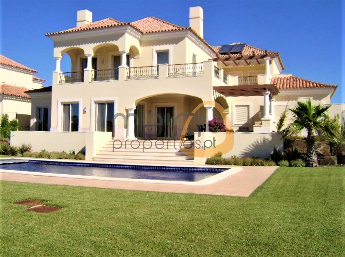 Luxury 4 bedroom villa with golf view at Monte Rei Golf & Country Club