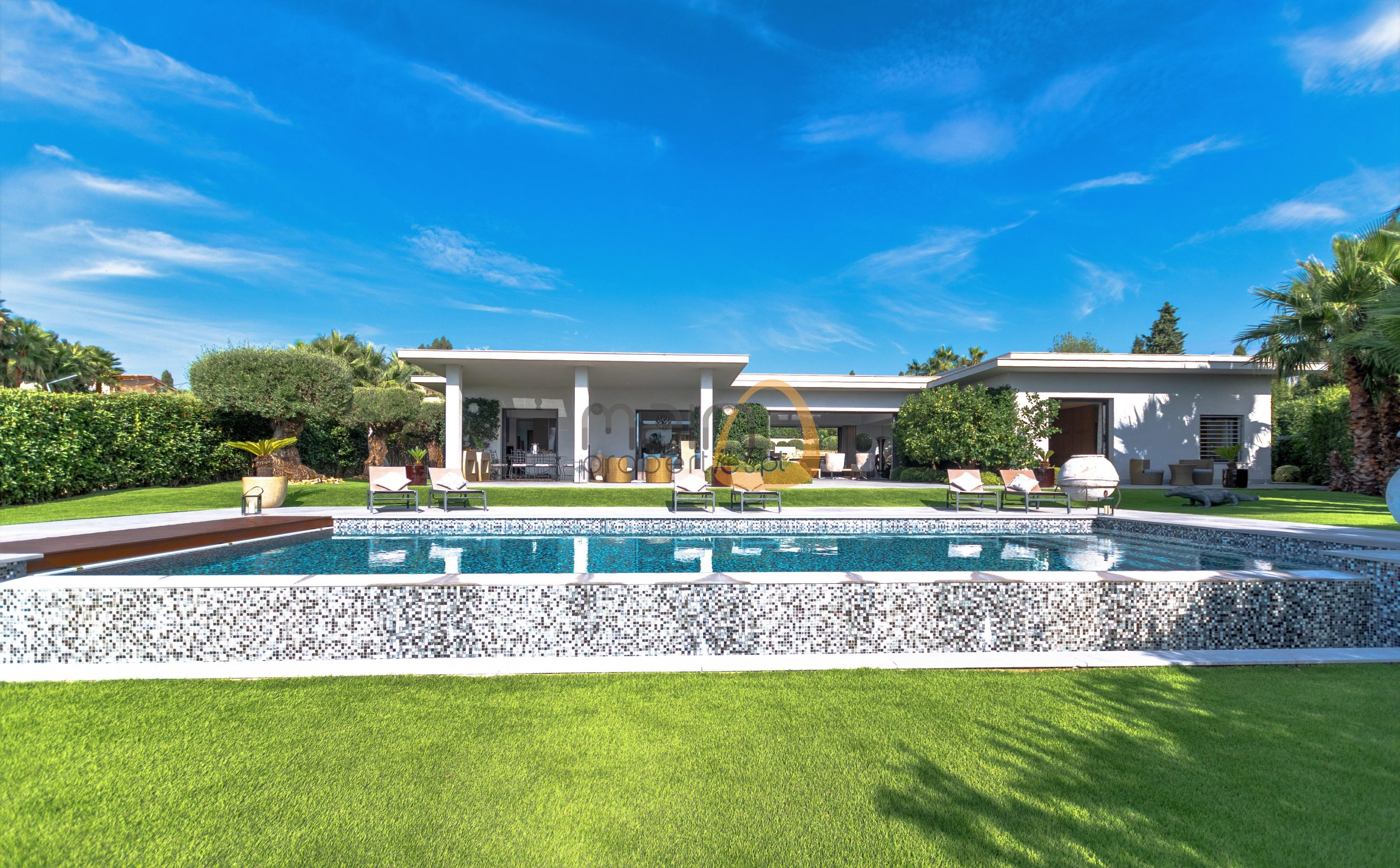Luxury 4 bedroom duplex villa in Faro